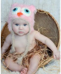 Infant Pink Yarn Owl Hat